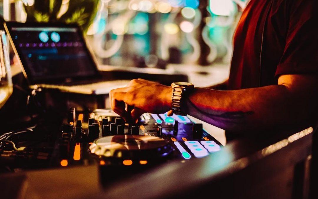 Comment faire appel à un musicien ou un DJ sur Bordeaux?